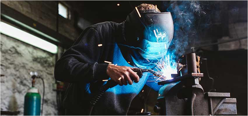 Welding fume treatment in processing workshop